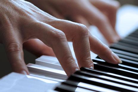 پیانو دیجیتال یاماها Yamaha YDP-143-BK