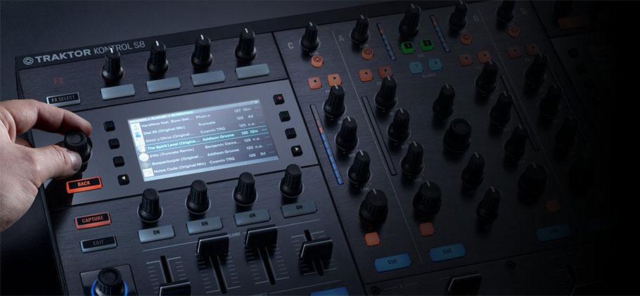 دی جی کنترلر نیتیو اینسترومنت Native Instruments Traktor Kontrol S8